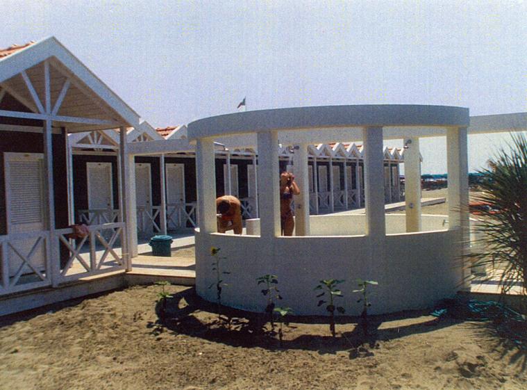 1988 – <b>stabilimento balneare a Marina di Carrara (MS) - Italia</b>