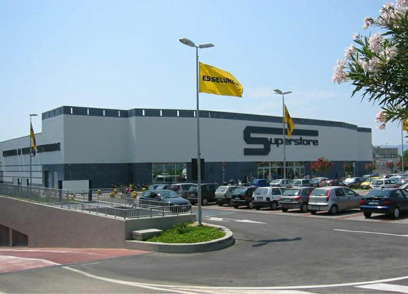 2003 progettazione esecutiva del centro commerciale for Supermercati esselunga in italia